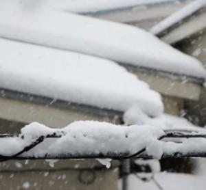 「雪のせい」では済まされない、積雪による空き家の倒壊リスク